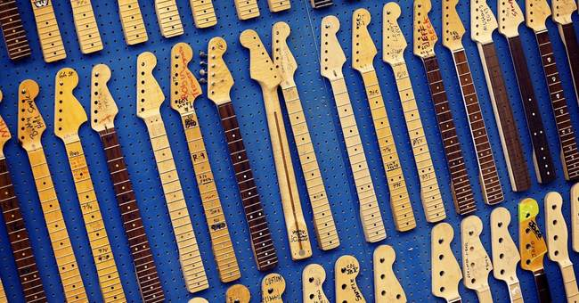 AP PHOTOS: Stratocaster still a favorite at 60